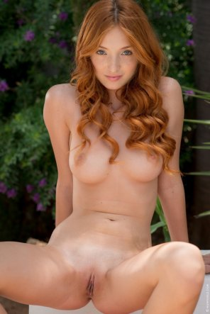 amateur photo Incredible redhead Michelle