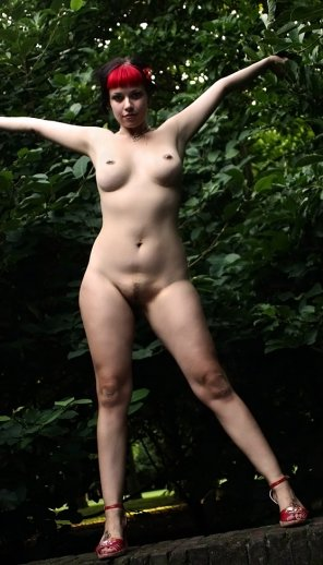 amateur photo nudist Miss Mirjana