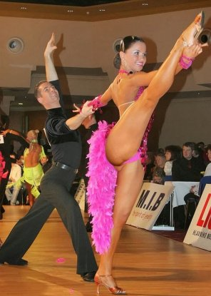 amateur photo Long legged tango dancer