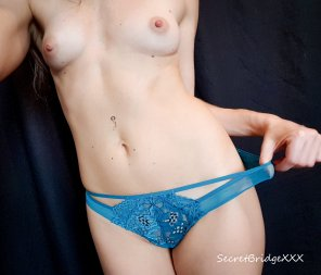 amateur photo [F] My blue panties