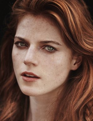 amateur photo Rose Leslie