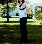 amateur photo MILF braless sideboob