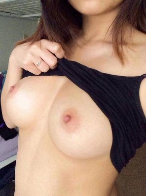 amateur photo PictureFlashing her sexy boobies