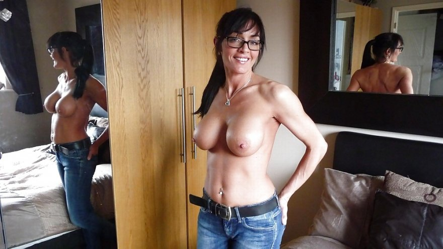 Topless in jeans Porn Photo