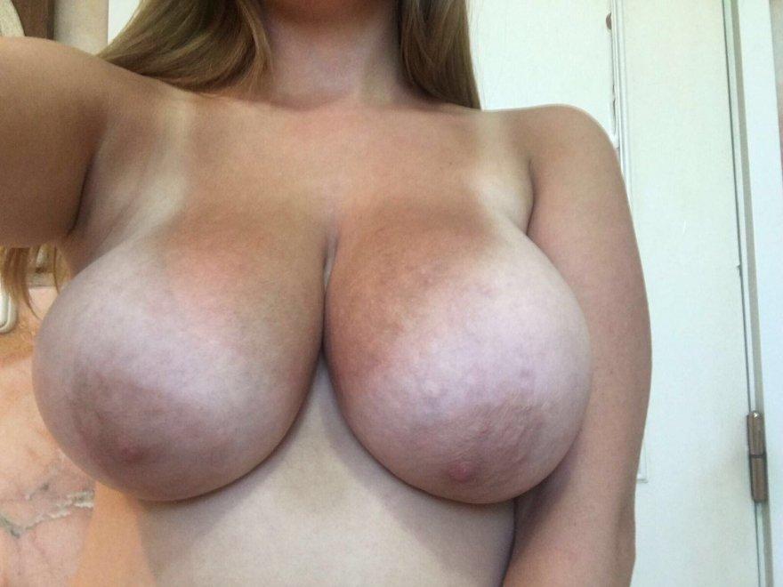 amateur photo lets play guess the bra size