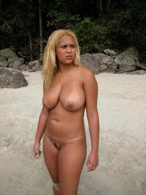 amateur photo Babalu on the beach