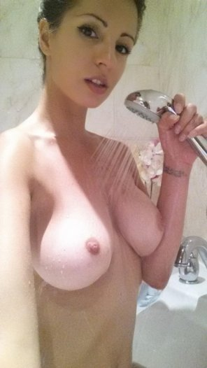 amateur photo Singing in the shower