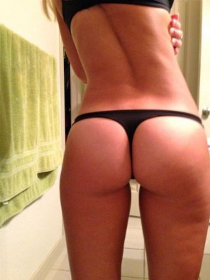 amateur photo Petite in Black
