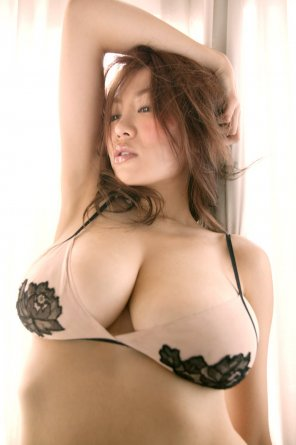 amateur photo Yoko Matsugane has ample bosoms