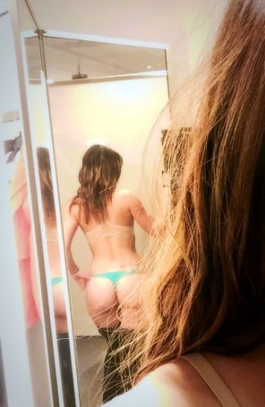 amateur photo Shameless dressing room butt selfie.