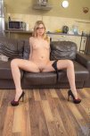 amateur photo Legs spread