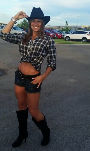 amateur photo Fit Cowgirl