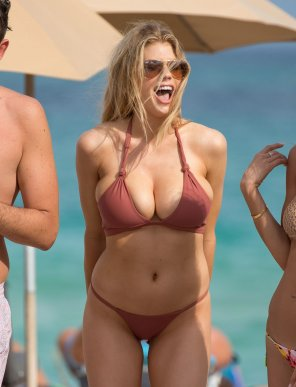 amateur photo Charlotte Mckinney - tits cannot be contained