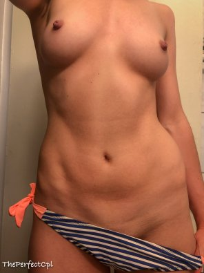 amateur photo OMFG I'm so excited for bikini season! [img]