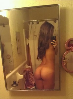 amateur photo mirror booty