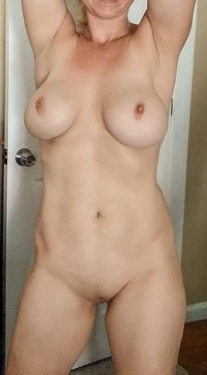 amateur photo Make titty Wednesday a thing!
