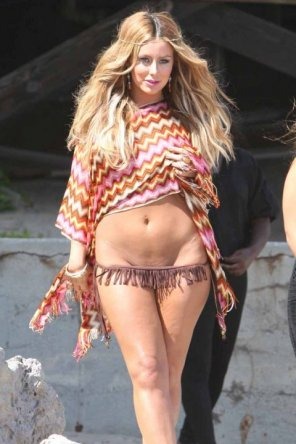 amateur photo Aubrey O'Day Has A Day At The Beach