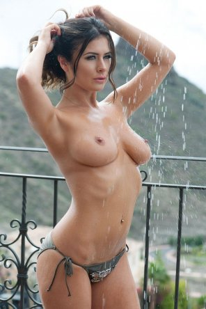 amateur photo Getting wet