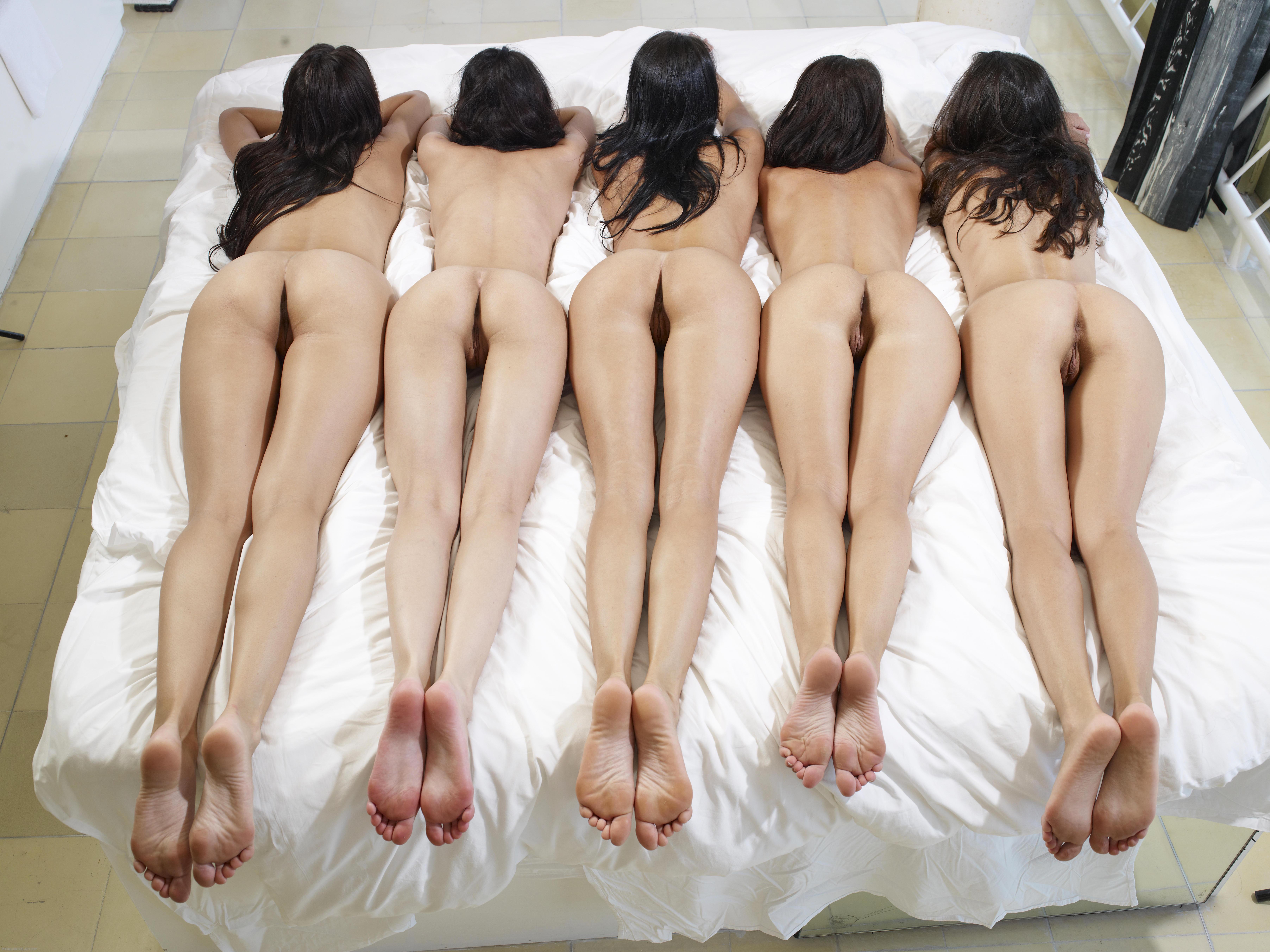 Chicas asiáticas culo grupo desnudo