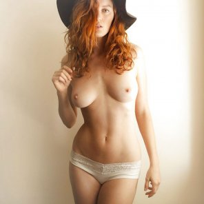 amateur photo Hat and panties