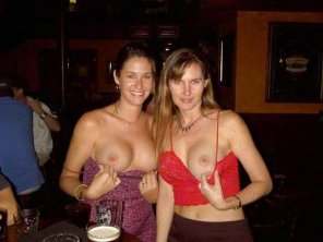 amateur photo Flashing in a bar