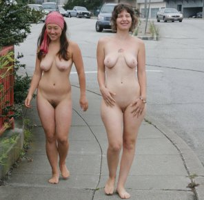 amateur photo naked with a friend