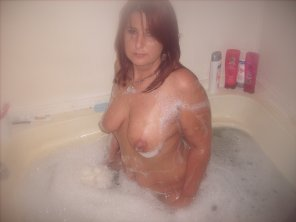amateur photo Milf in bathtub
