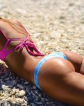 amateur photo Pink and blue bikini