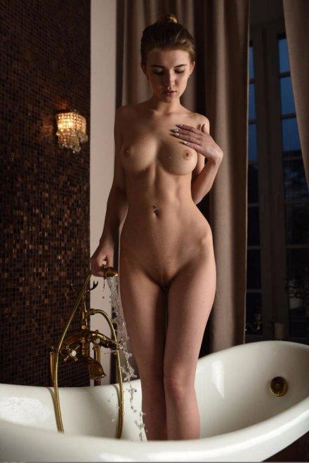 Fancy Tub Porn Photo