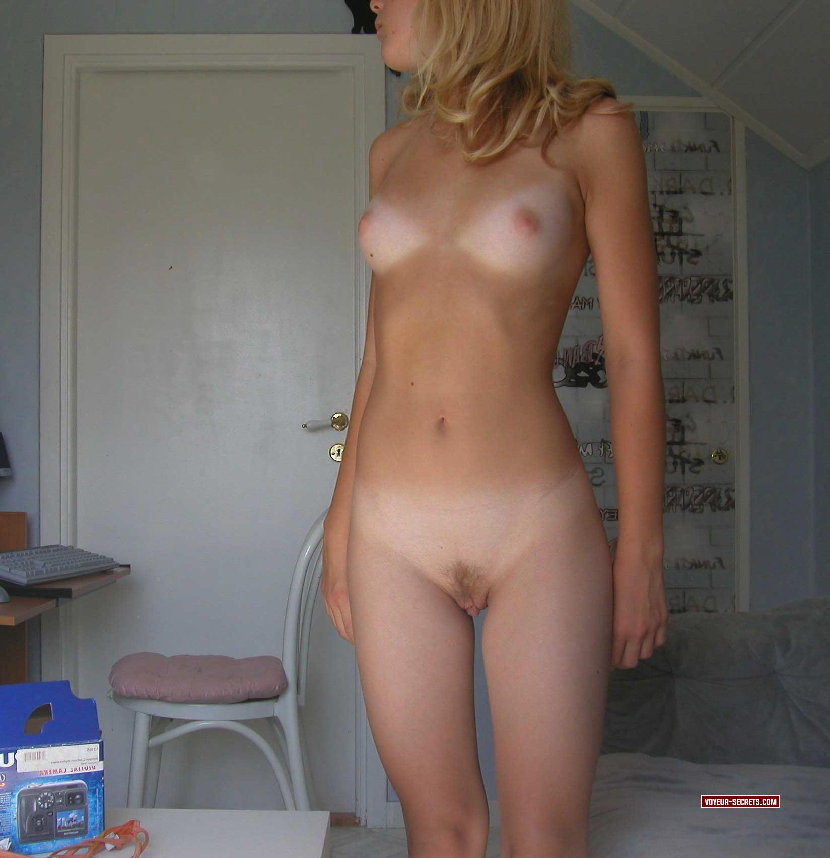 Amateur Cute Blonde Orgasm