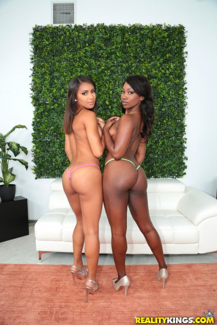 Nicole Bexley and Skyler Nicole Porn Photo