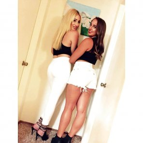 amateur photo Booty Duo