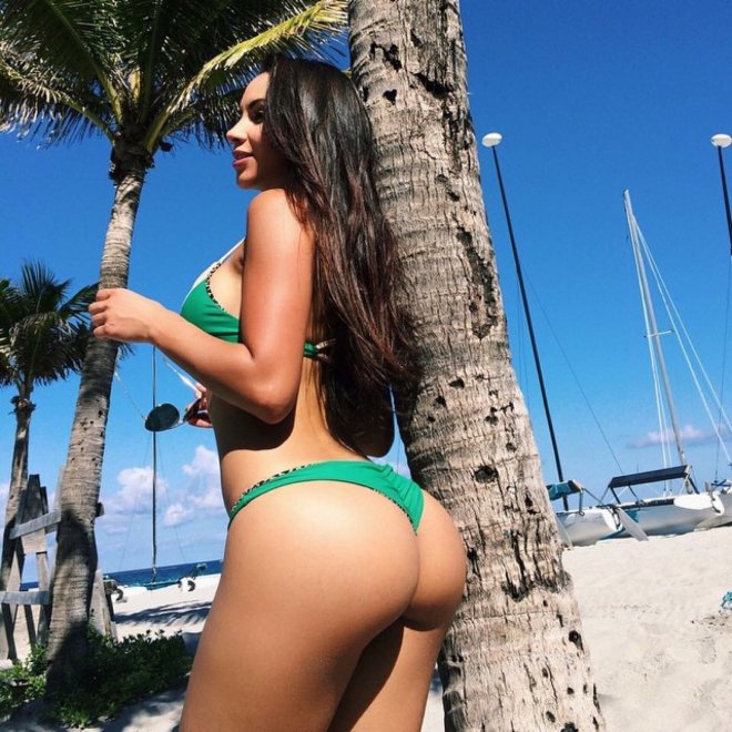 Green bikini Porn Photo