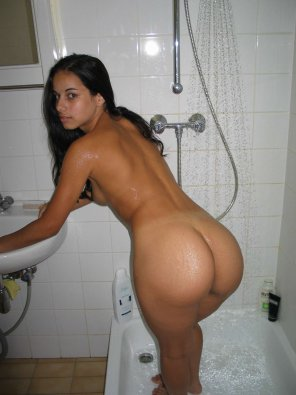 amateur photo Shower time