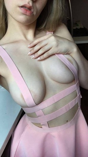 amateur photo Pink Straps