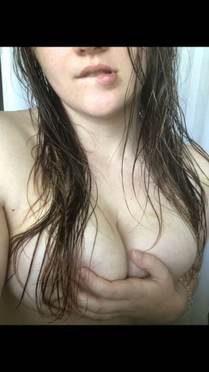 amateur photo [contest] [oc] Shower Handbra