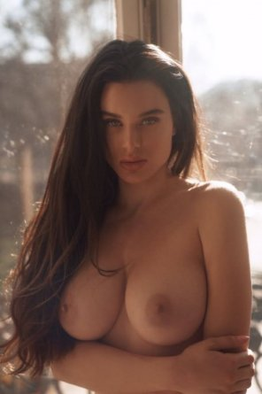 amateur photo sultry Lana Rhoades