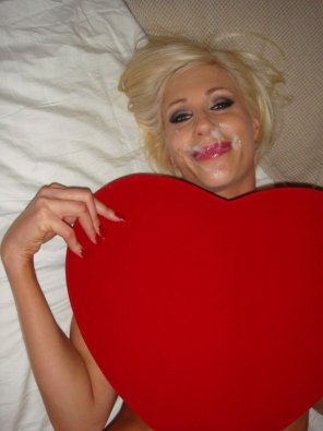 amateur photo Puma Swede valentine's facial