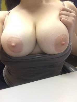 amateur photo Taking Selfie With My Huge Titties 😊 S❤️️C @ rachel_white99