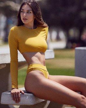 amateur photo Mustard color