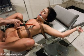 amateur photo Rough sex and bondage medical role play