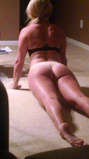 amateur photo yoga mondays :)