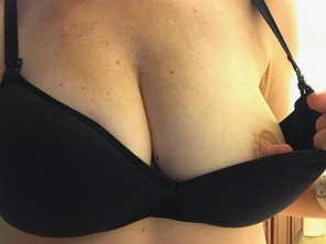 amateur photo Original ContentPeek-a-boob be[f]ore bed.
