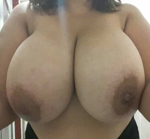 amateur photo Huge tits hanging