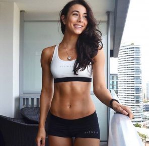 amateur photo Danielle Robertson