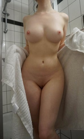 amateur photo I'm fresh out the shower, time to get dirty again?