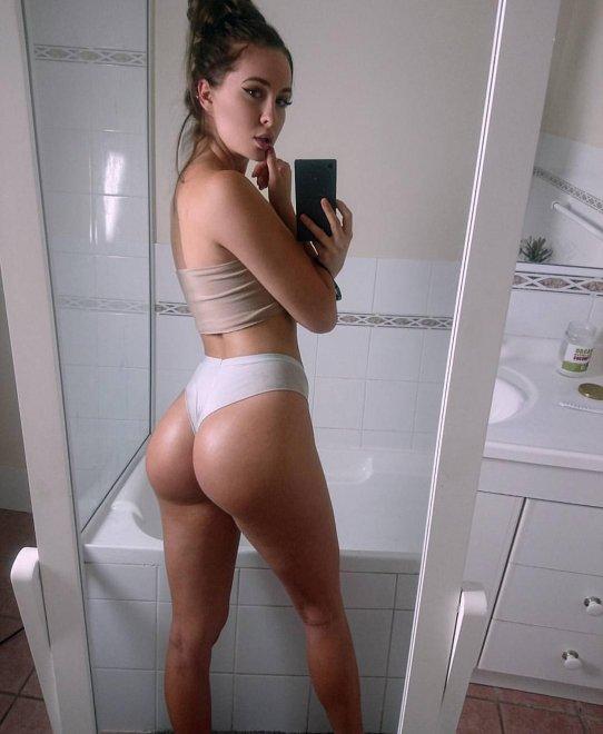 Rebecca Holly Porn Photo