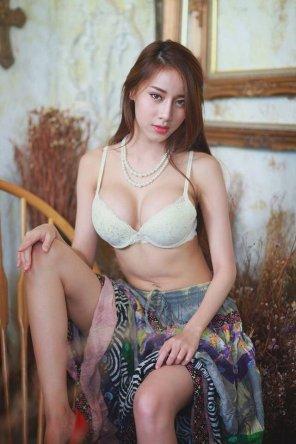 amateur photo Pearl Necklace
