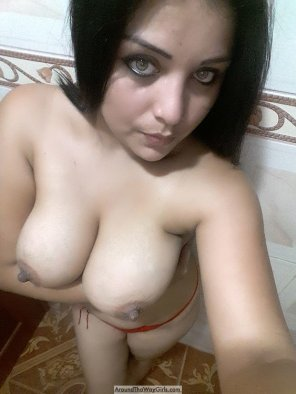 amateur photo She's Got Great Eyes & Tits