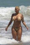 amateur photo Amber Rose. Beach. Small bikini.